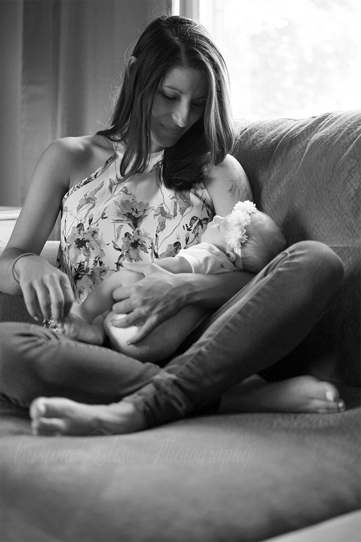 Lifestyle Newborn Session black and white | Cristina Elisa Photography | Frederick, MD | Lifestyle Photographer | Mom and Baby Photo Session | Maryland Photographer | Virginia Photographer | Black and White Photography