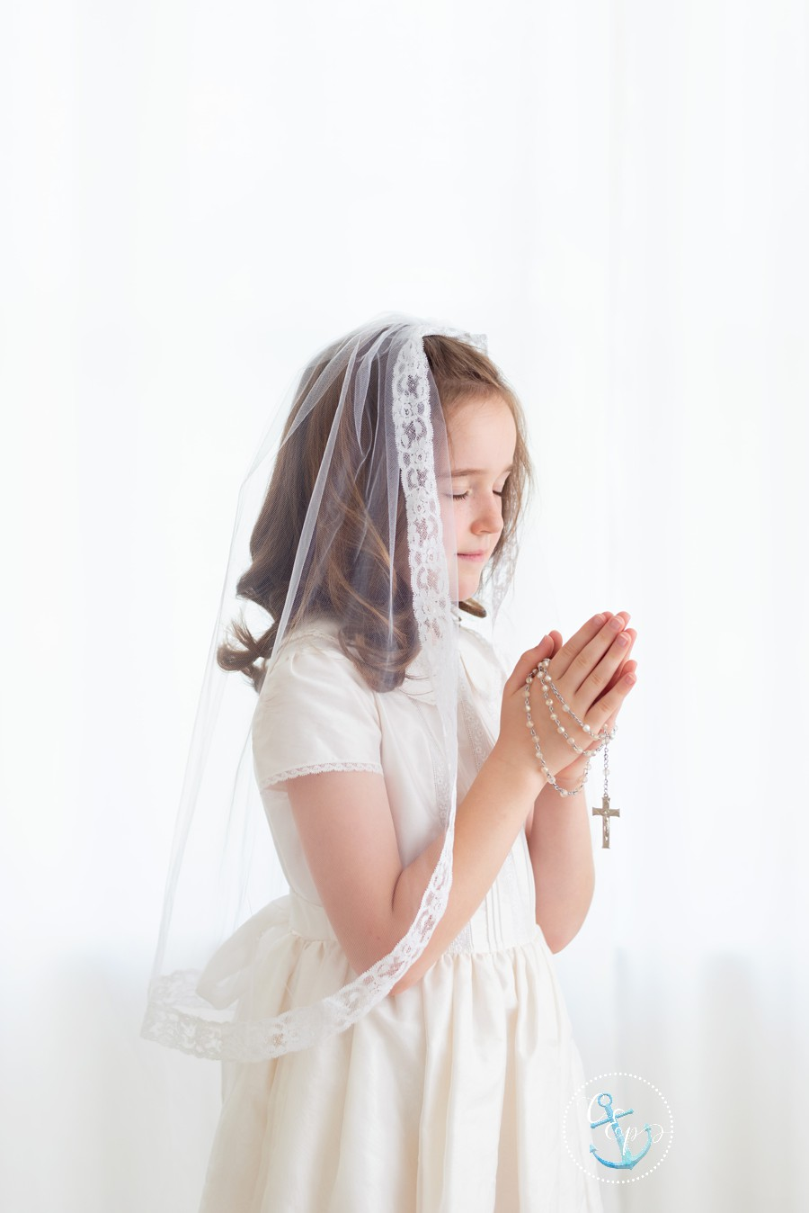 First Communion Portraits Frederick MD, Maryland First Holy Communion Pictures, Cristina Elisa Photography LLC, Girls first communion pictures